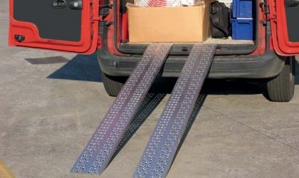 Priame a oblúkové najazdy pre štvorkolky, malé traktory, kosačky HLS-HS